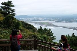 พอเดินเหนื่อย ก็หยุดถ่ายรูป // Seongan Itchulbong peak