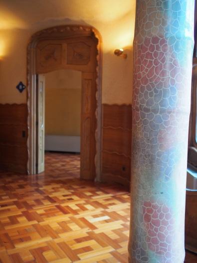 กรอบประตู และเสา Casa Batlló