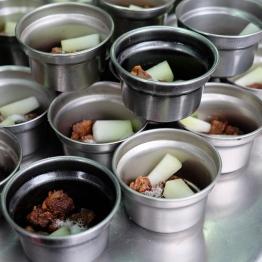ซุปหมูทอดใส่ฟัก ...สังเกตเกร็ดสีขาวๆ ในชาม ผงชูรสเยอะมากค่ะ!!!!!!!!!! / Beitou, Taipei, Taiwan