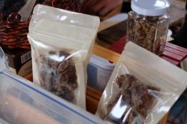 น้ำตาลของซองละ 200 เอามา 2 ซองรวด! / Water Garden organic Farmers Market, ไทเป ไต้หวัน