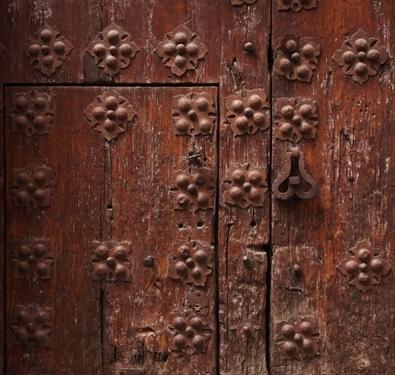 ประตูไม้เก่าแก่แลขลังมากๆ Toledo, Spain
