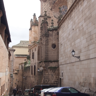 ตรอกซอกซอยเล็กๆ มีให้เห็นเยอะแยะไปใน Toledo, Spain